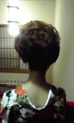 若女将の素晴らしい髪型