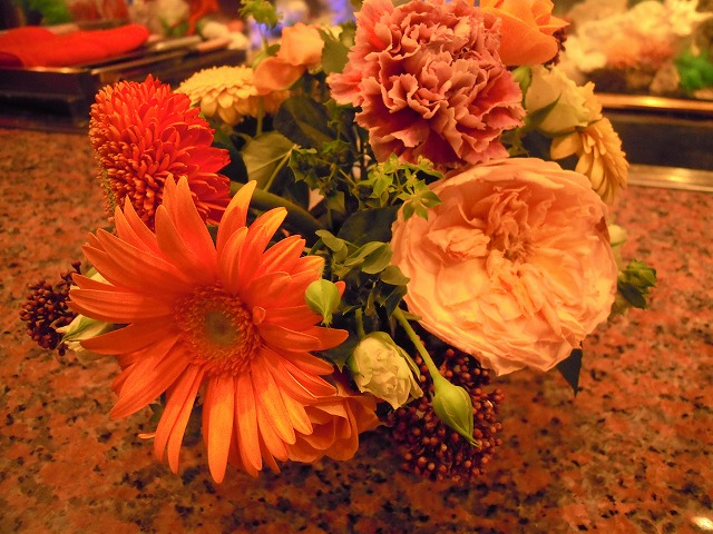 DSCN1927カウンターの花結婚式.jpg